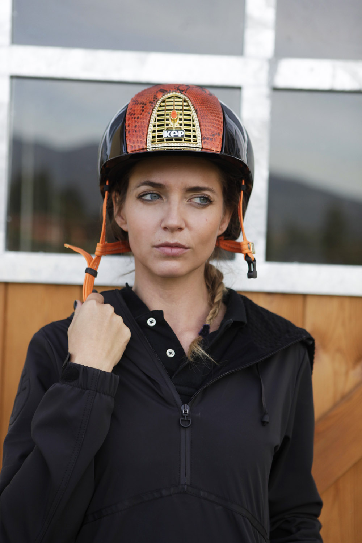 cap equitazione personalizzato arancione kepitalia