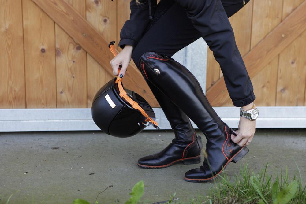 stivali equitazione personalizzati arancioni secchiari