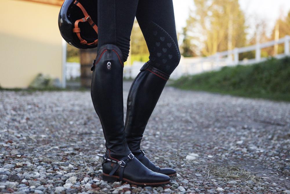 stivali equitazione personalizzati neri e arancio secchiari