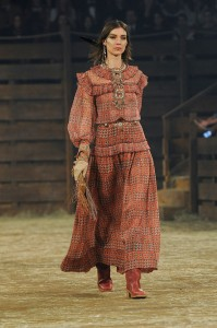 Chanel-Dallas-Metiers-d-Art-04