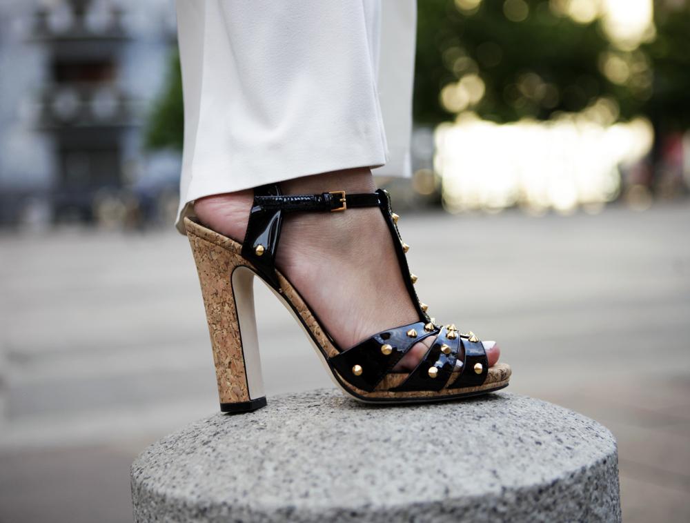 Gucci studs sandals