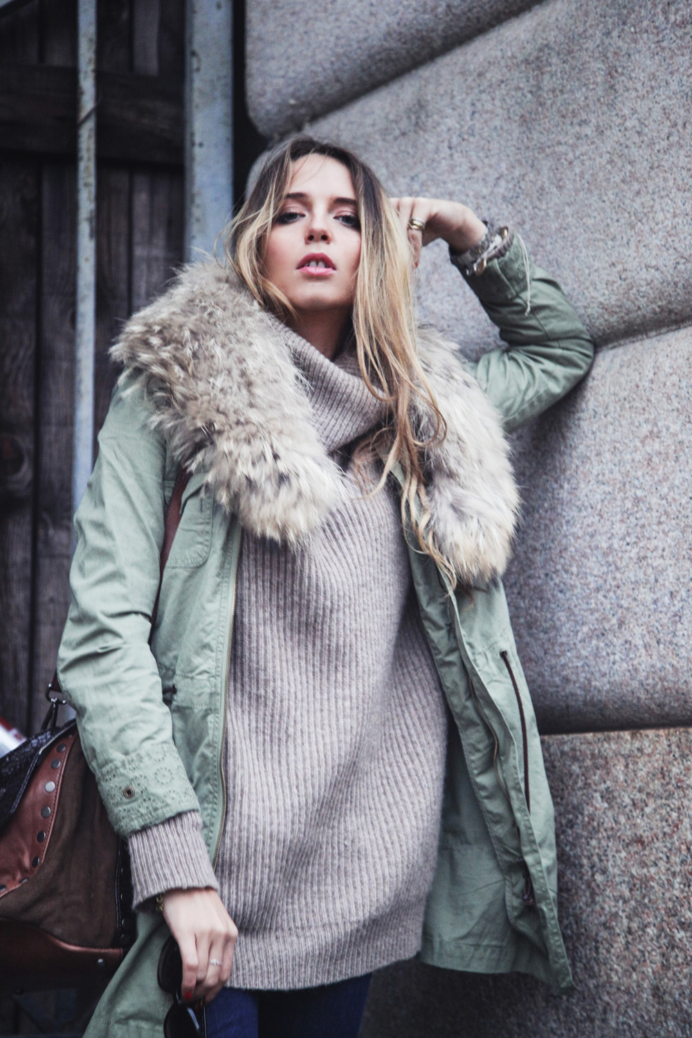 parka with fur neck