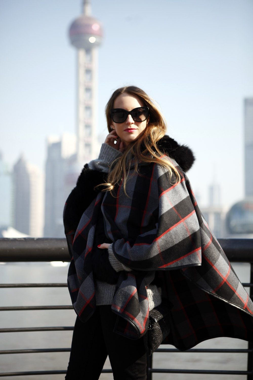 how to wear a cape in shanghai