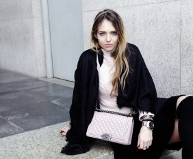 chanel boy bag pink outfits