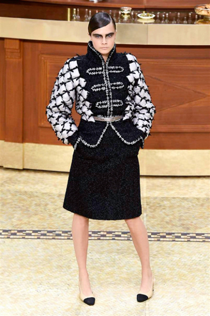 Chanel Fashion Show Fall Winter 2016 k