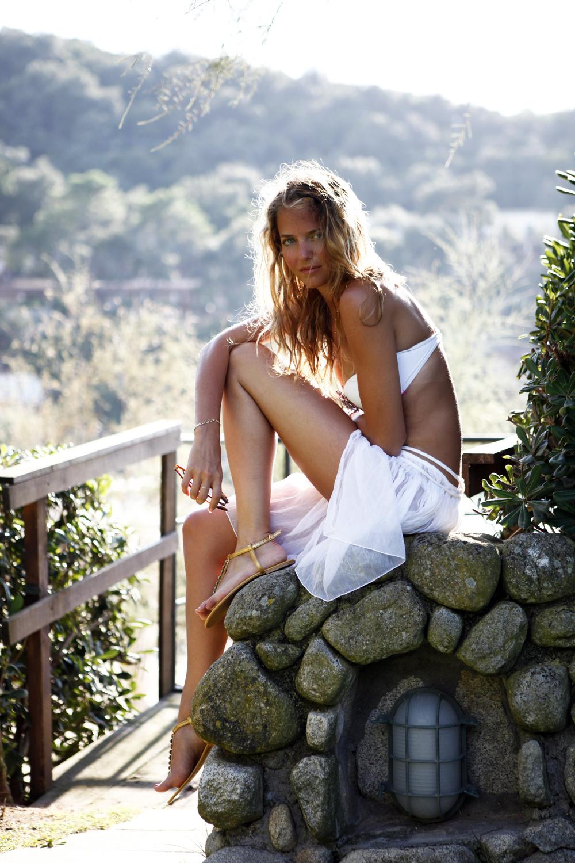 summer-white-bikini