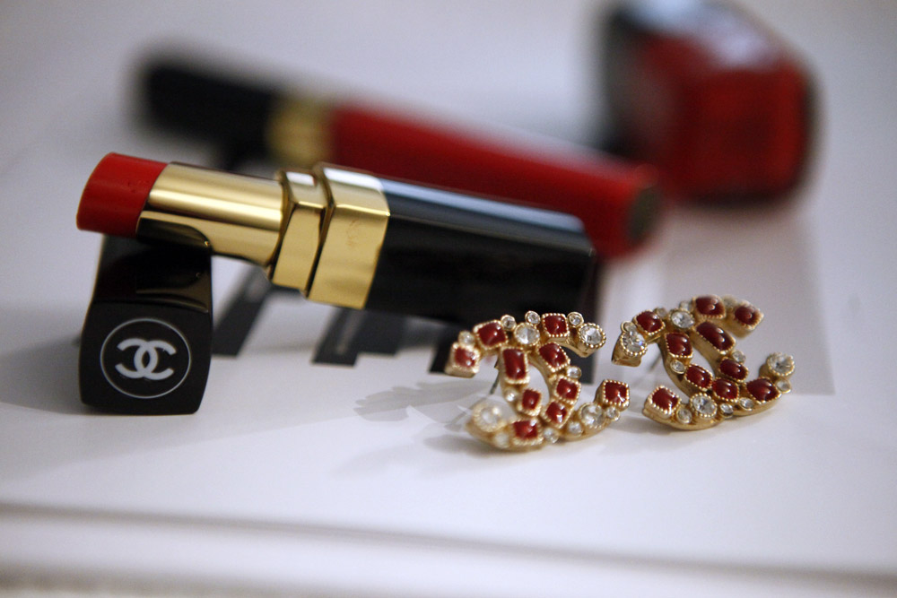 chanel earrings red duoble c