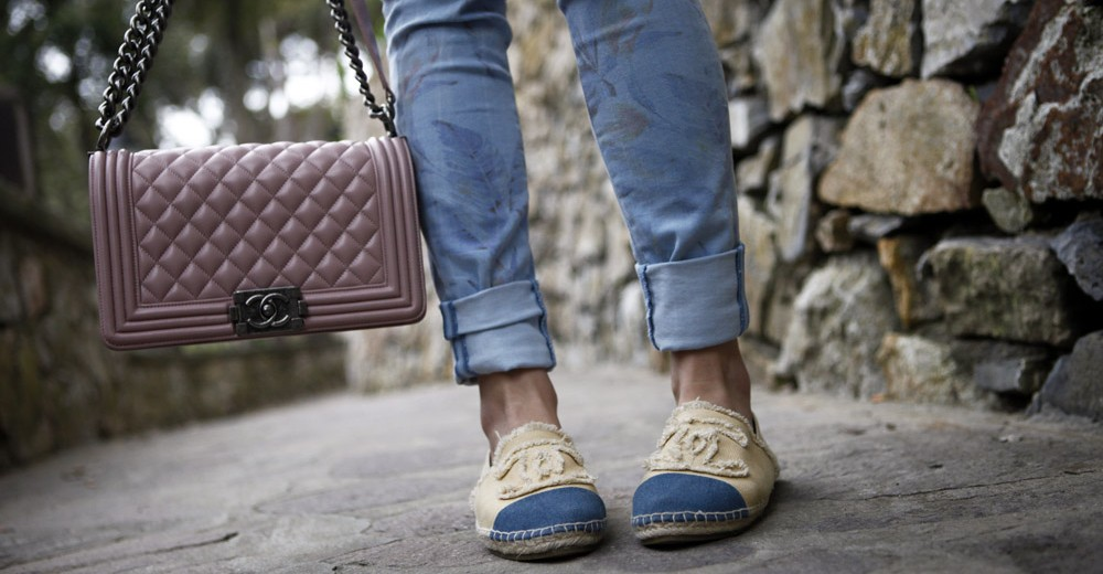 chanel pink boy bag