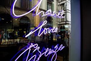 chanel loves firenze written on the beauty fragrance shop
