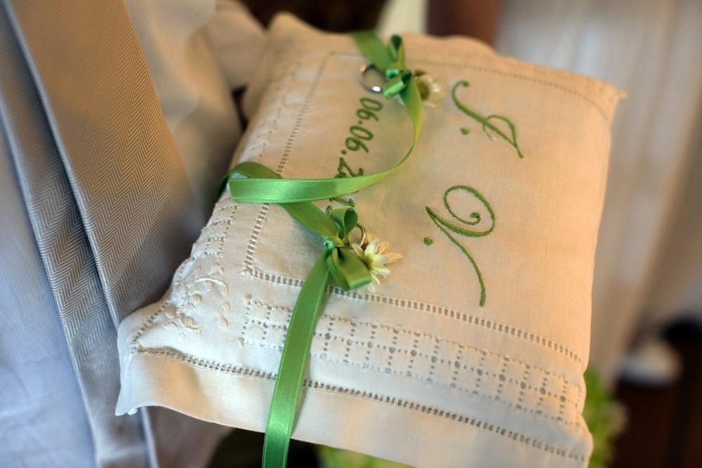 cuscinetto fedi sposi fatto a mano