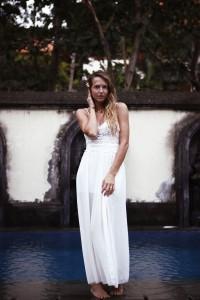 bali simple look white dress