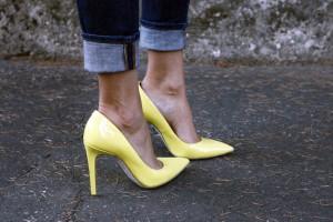 rene caovilla yellow decolltè