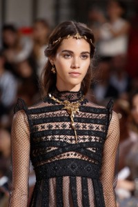 valentino couture hairstyle 2015