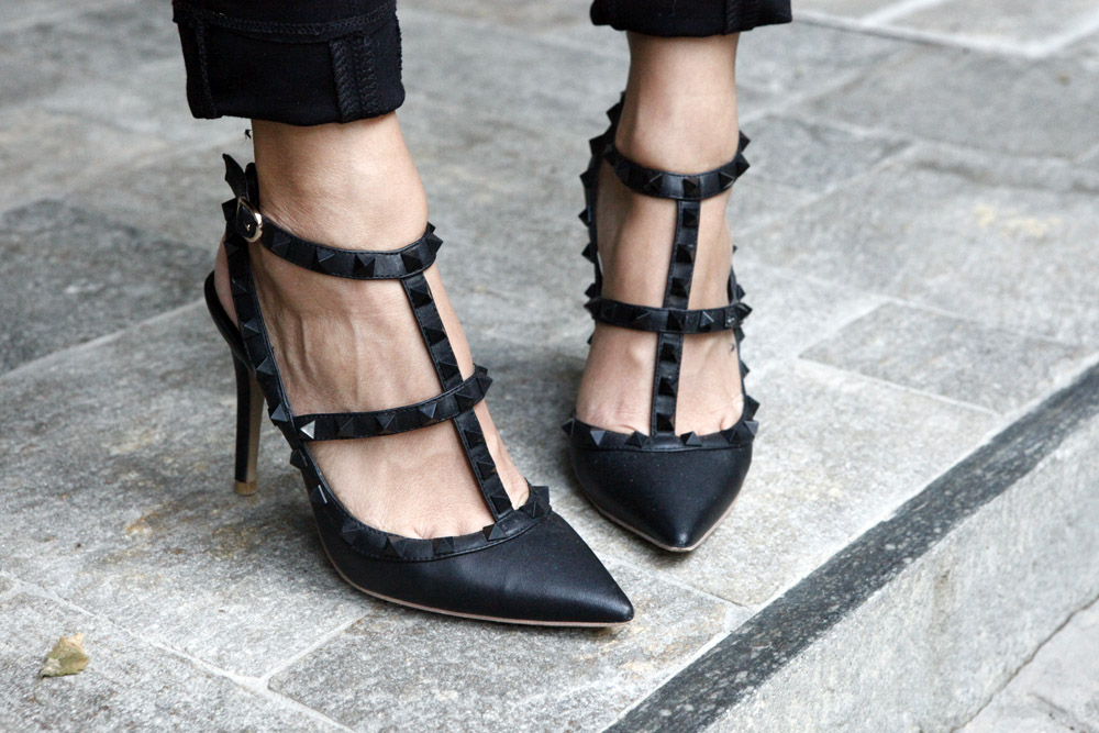 valentino rockstuds shoes black