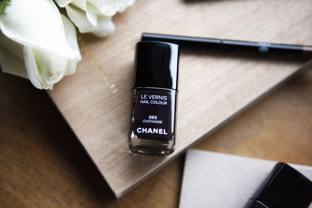 chatagnie chanel nailpolsh