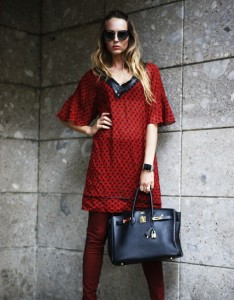 how to pair a dress with a pair of leggins