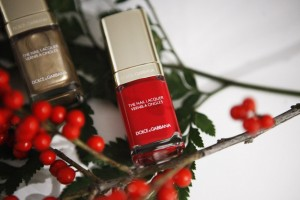 dg nailpolish red christmas 2016