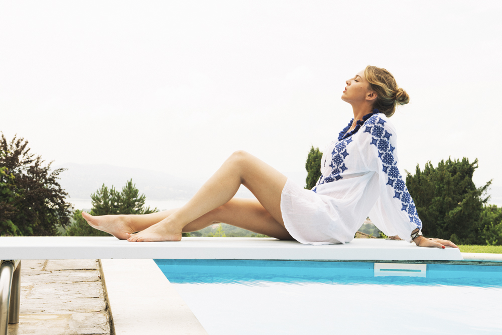 blu and white caftan