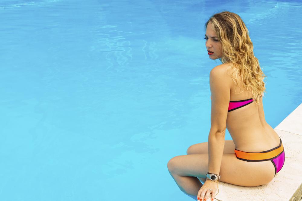 Look Piscina: Il Bikini in neoprene