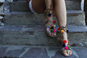 pom pom sandals gioseppo