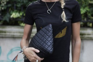 chanel pochette black