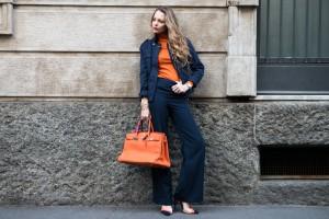 outfit arancio e blue