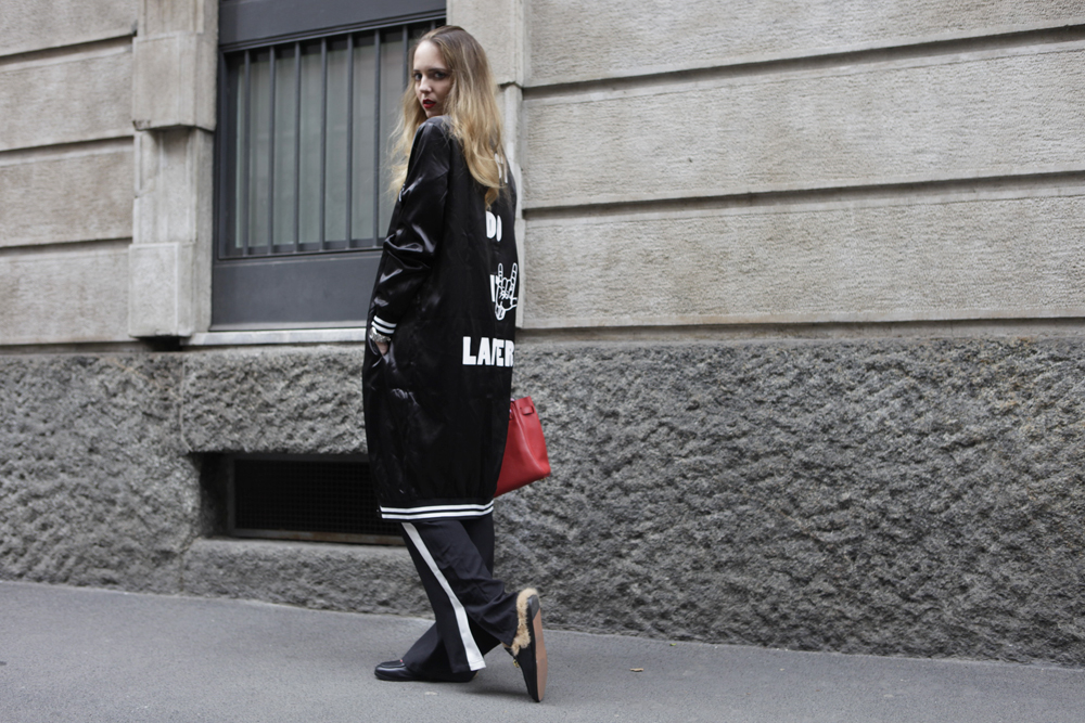 how to style long bomber
