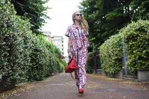 come indossare il pigiama in città